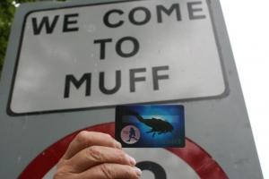 muff-diving-club-membership-card-in-muff